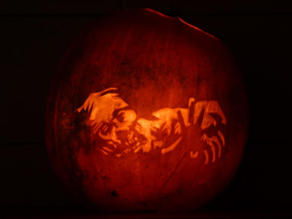 Walking Dead Zombie Halloween Pumpkin